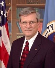 Dr. Leonard Reinsfelder
